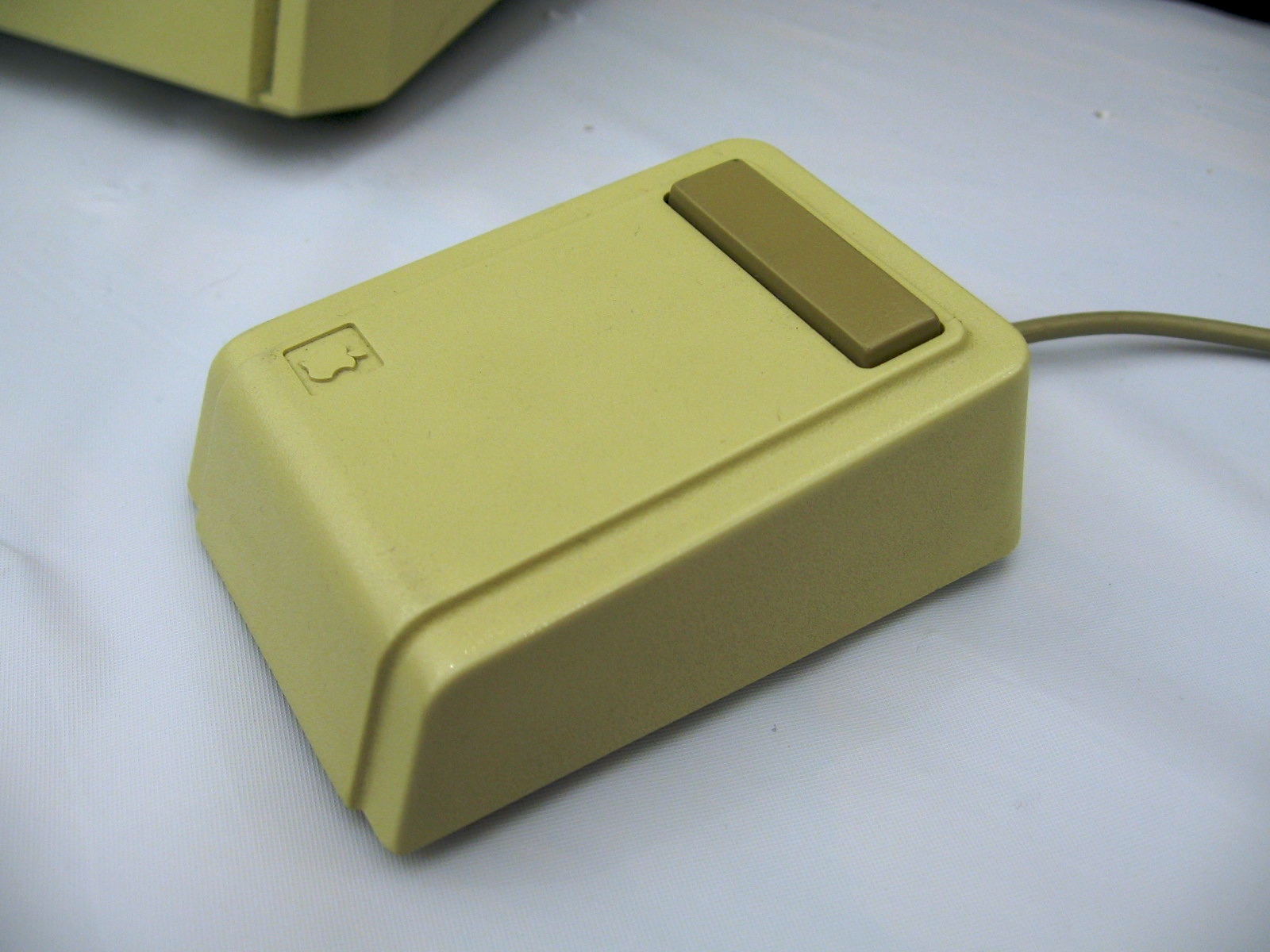 Apple Lisa Mouse   – 1983